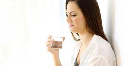Почему горчит вода и как с этим бороться?