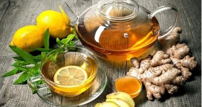Зачем пить горячий чай и много воды во время простуды?